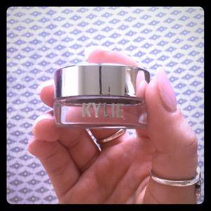 "Kylie Cosmetics Single Eyeshadow in ""Camo"""